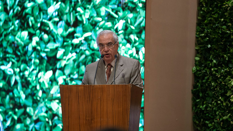 Dr Robert Paul, Dean Emeritus of Emory University, welcoming the audience and thanking His Holiness the Dalai Lama at the start of the global launch of SEE Learning in New Delhi, India on April 5, 2019. Photo by Tenzin Choejor