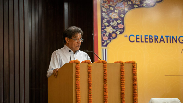 """Siddiq Wahid welcoming guests and participants to the conference on """"Celebrating Diversity in the Muslim World"""" at the India International Centre in New Delhi, India on June 15, 2019. Photo by Tenzin Choejor"""
