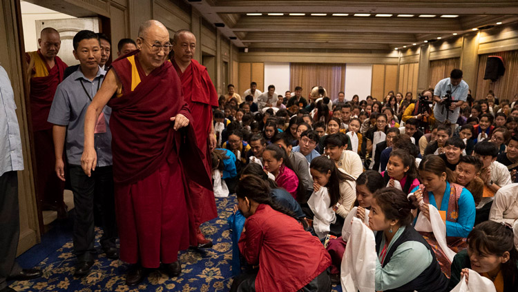 His Holiness the Dalai Lama arriving for his meeting with Tibetans studying and training in Mangaluru at his hotel in Mangaluru, Karnataka, India on August 30, 2019. Photo by Tenzin Choejor