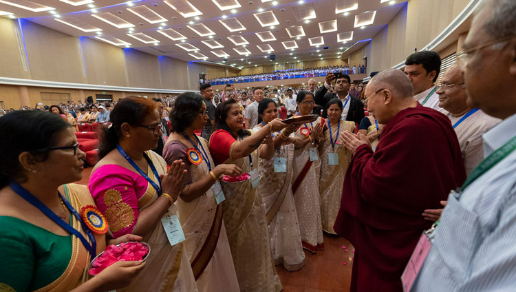 His Holiness the Dalai Lama receiving a traditional welcome on his arrival at the Father Muller Convention Centre to attend the 52nd National Convention of the All India Association of Catholic Schools in Mangaluru, Karnataka, India on August 30, 2019. Photo by Tenzin Choejor