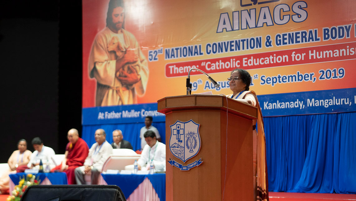 Sister Molly Cherian, Principal of the Sacred Heart School, Sidhpur in Dharamsala, introducing His Holiness the Dalai Lama at the start of the morning session of the 52nd National Convention of the All India Association of Catholic Schools in Mangaluru, Karnataka, India on August 30, 2019. Photo by Tenzin Choejor