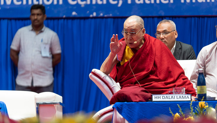 His Holiness the Dalia Lama answering a question from a member of the audience during his talk at the 52nd National Convention of the All India Association of Catholic Schools in Mangaluru, Karnataka, India on August 30, 2019. Photo by Tenzin Choejor