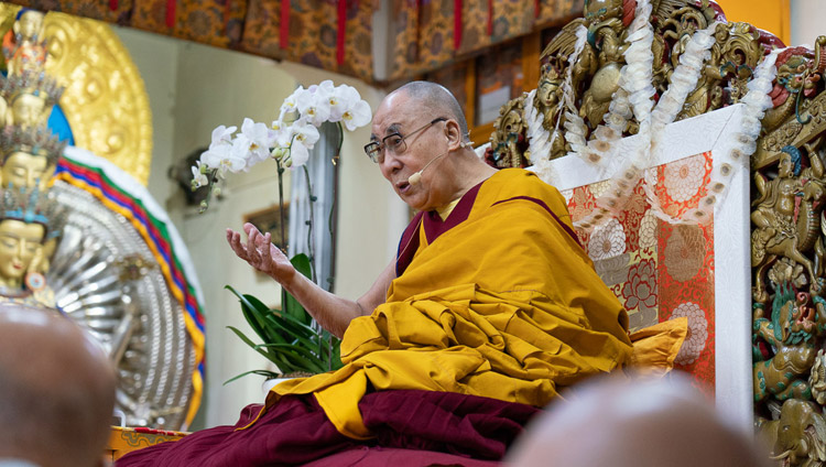 His Holiness the Dalai Lama explaining bodhichitta on the final day of teachings at the Main Tibetan Temple in Dharamsala, HP, India on November 6, 2019. Photo by Ven Tenzin Jamphel