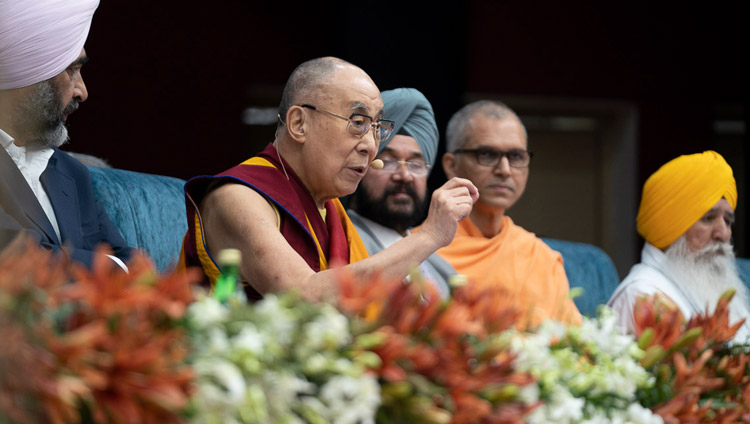 His Holiness the Dalai Lama speaking at the Inter-Faith Conclave at Guru Nanak Dev University in Amritsar, Punjab, India on November 9, 2019. Photo by Tenzin Choejor