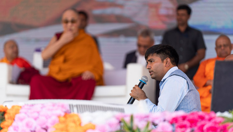 The Hindi interpreter translating His Holiness the Dalai Lama's teaching at PES College of Physical Education in Aurangabad, Maharashtra, India on November 24, 2019. Photo by Tenzin Choejor