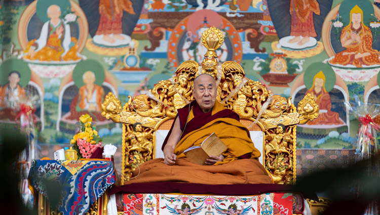 His Holiness the Dalai Lama commenting on Gyelsay Thogmé Sangpo's 'Thirty-seven Practices of Bodhisattvas' during his teaching at the Kalachakra Ground in Bodhgaya, Bihar, India on January 2, 2020. Photo by Tenzin Choejor