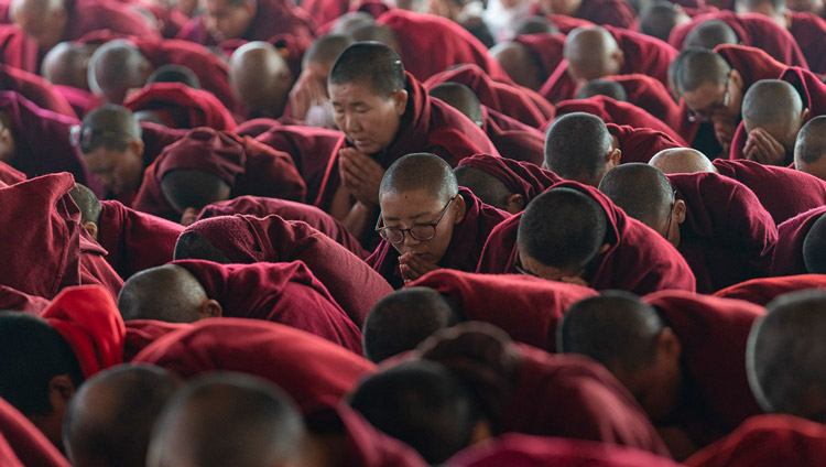 Monastics in the crowd taking bodhisattva vows from His Holiness the Dalai Lama at the Kalachakra Ground in Bodhgaya, Bihar, India on January 5, 2020. Photo by Tenzin Choejor