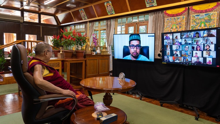 Muhammad Faisal Abdul Aziz, President of ABIM and moderator for the session, introducing His Holiness the Dalai Lama to the virtual audience at the start of the conversation with His Holiness the Dalai Lama from his residence in Dharamsala, HP, India on September 28, 2020. Photo by Ven Tenzin Jamphel