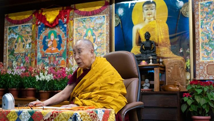Su Santidad el Dalái Lama hablando en el primer día de sus enseñanzas sobre el Sutra del Corazón desde su residencia en Dharamsala, HP, India el 5 de enero de 2021. Foto de Ven Tenzin Jamphel