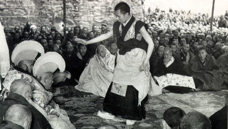 His Holiness during his final Geshe Lharampa examinations in Lhasa, Tibet which took place from the summer of 1958 to February 1959. (Photo/OHHDL)