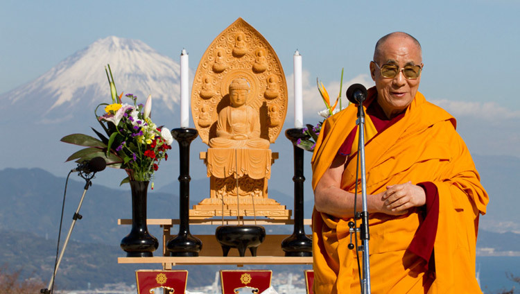 His Holiness the Dalai Lama participating in an interfaith event in Shizuoka, Japan on November 22, 2013. (Photo courtesy Liaison Office of HHDL Japan)