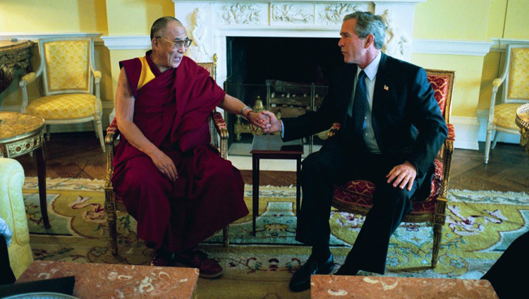 His Holiness the Dalai Lama meeting President George W Bush at the White House in Washington DC, USA on September 10, 2003. (Official White House Photo)