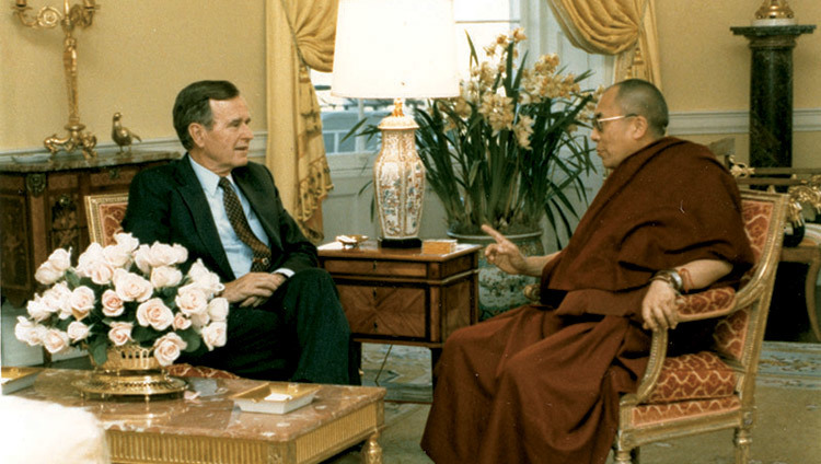 His Holiness the Dalai Lama meeting with George H Bush in the White House in Washington DC, USA on April 16, 1991. (Official White House Photo)