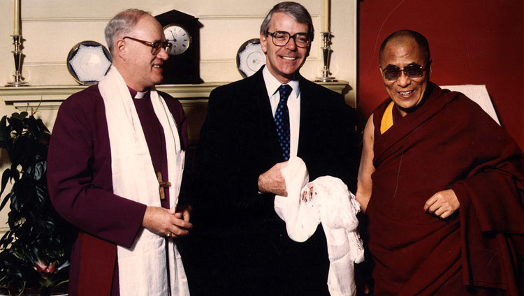 Archbishop of Canterbury John Leonard Carey and UK Prime Minister John Major with His Holiness the Dalai Lama in London, UK on December 2, 1991.