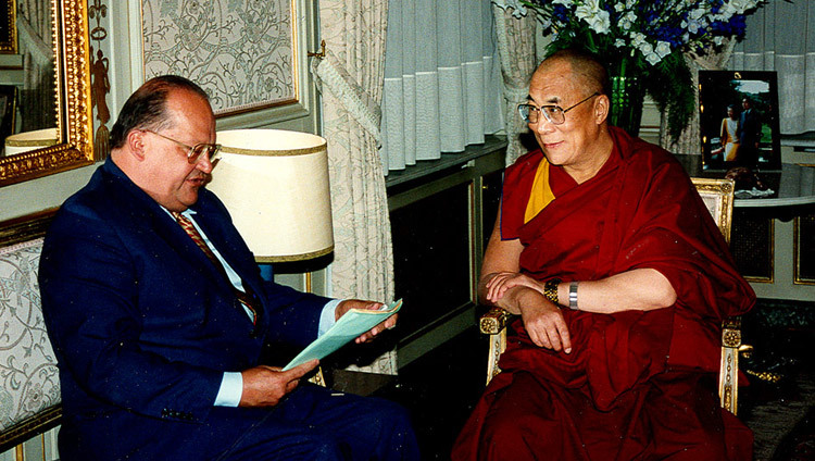 His Holiness the Dalai Lama with Belgium Prime Minister Jean Luc Dehaene in Brussels, Belgium on May 4, 1999.